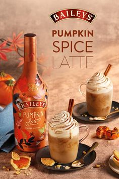 🍂Oh, Baileys 🍂What's your favorite fall beverage, with or without alcohol? Fall Drinks, Holiday Drinks, Cocktail Drinks, Mixed Drinks, Alcoholic Drinks, Beverages, Winter Cocktails, Halloween Drinks, Halloween Fun