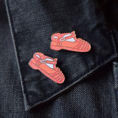 Gelée chaussure émail Pin 90 de pin par TeesAndTankYouShop sur Etsy