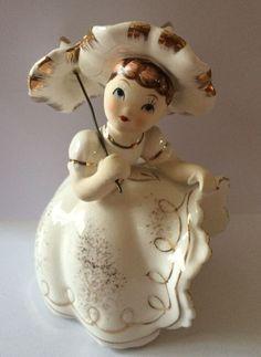 Vintage Lefton Bloomer Girl Figurine KW10531 Pointed Hat & Parasol Gold & White