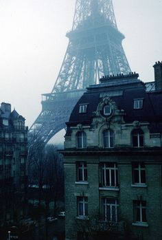 """""""The Eiffel Tower in the dead of winter stands so majestic, this lattice structure built in 1889 is the globally known center piece of Paris."""" I miss Paris. Oh The Places You'll Go, Places To Travel, Places To Visit, Torre Eiffel Paris, Magic Places, Oh Paris, Paris Cafe, Rainy Paris, Montmartre Paris"""