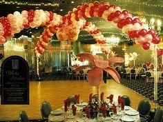 iluvaparty.com | Balloon Decorations | Balloon Decor | Party Decorating with Balloons | Balloon Centerpiece | Balloon Arches