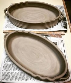 bottomless wheel-thrown altered cylinder casseroles - like the texture rim click the image or link for more info. Pottery Plates, Slab Pottery, Ceramic Pottery, Ceramic Techniques, Pottery Techniques, Ceramic Tableware, Ceramic Clay, Slab Ceramics, Pottery Handbuilding