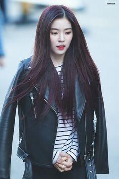 Seulgi, Redvelvet Kpop, Kpop Hair, Flawless Beauty, Red Velvet Irene, Pale Skin, Pretty People, Cute Girls, Pretty Girls