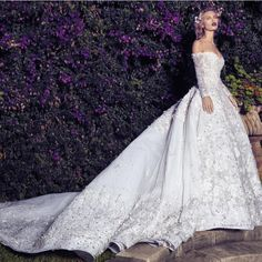 Top 10 Luxury Wedding Venues to Hold a 5 Star Wedding - Love It All Luxury Wedding Venues, Luxury Wedding Dress, Elegant Wedding Dress, Dream Wedding Dresses, Bridal Dresses, Wedding Gowns, Luxury Dress, Star Wedding, Glamour
