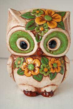 Mod •~• vintage green & yellow owl planter