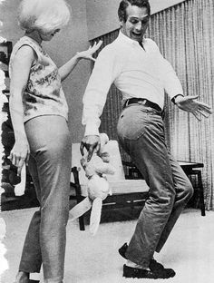 Joanne Woodward and husband Paul Newman (who looks a bit like my father - but my father can dance!)