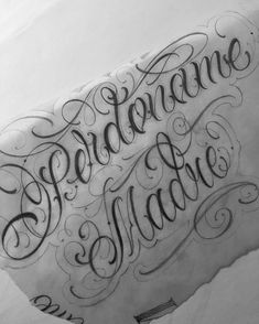Tattoo Lettering Styles, Graffiti Lettering Fonts, Chicano Lettering, Script Lettering, Tattoo Fonts, Script Tattoos, Calligraphy Words, Beautiful Calligraphy, Hand Tattoos