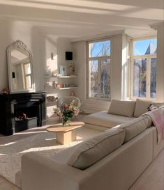 Dream Home Design, Home Interior Design, Home Living Room, Living Room Decor, Dream Apartment, Girl Apartment Decor, Apartment Living, Aesthetic Bedroom, Dream Rooms