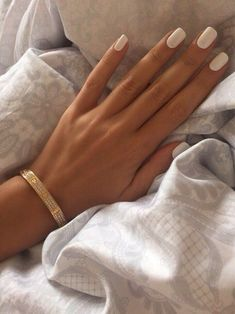 White Acrylic Nails, Square Acrylic Nails, White Nails, Short Nails Acrylic, White Short Nails, Short Natural Nails, White Manicure, Tapered Square Nails, Short Square Nails