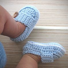 Items similar to Baby Booties (Marcus) - Size 3 in Blue on EtsyBaby Knitting Patterns Slippers Baby Shoes (gift sets available now!No pattern - pinned for reference LOVE- Crocheted baby shoes (same as the brown and blue ones in a different pic)Croche Booties Crochet, Crochet Baby Shoes, Crochet Baby Clothes, Crochet For Boys, Crochet Slippers, Cute Crochet, Knit Crochet, Baby Girl Crochet, Baby Sandals