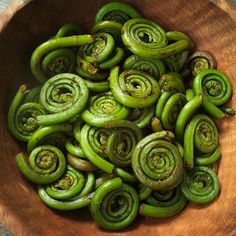 Everything You Need to Know About Fiddlehead Ferns - Hungry Crowd | Food & Wine A must try for vegans