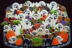 Now THAT is a fun Halloween party! Halloween Biscuits, Halloween Baking, Halloween Goodies, Halloween Cakes, Halloween Birthday, Holidays Halloween, Halloween Treats, Halloween 2, Halloween Clothes