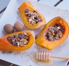 Dovleac copt cu fructe si nuci Raw Vegan, Cheesesteak, Deserts, Pumpkin, Healthy, Sweet, Ethnic Recipes, Fine Dining, Candy