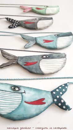 mariapiagambino fattidicarte papiermache cartapesta tcdesigns more and TCDesigns And MoreYou can find Fish art and more on our website Clay Projects, Clay Crafts, Diy And Crafts, Paper Crafts, Fish Crafts, Painted Driftwood, Driftwood Crafts, Driftwood Macrame, Driftwood Fish