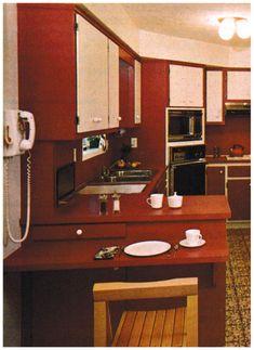 Kitchen in 1977 70s Kitchen, Country Kitchen, Vintage Kitchen, Retro Kitchens, Retro Vintage, Vintage Interior Design, Vintage Home Decor, Vintage Housewife, 70s Decor