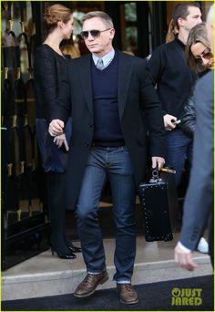 Daniel Craig - now that's a handsome dude