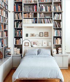 Bedroom bookshelf inspiration from Bibliostyle #bookshelfstyling #bookshelfinspo #shelfie Bookshelf Bed, Bookshelves In Bedroom, Library Bedroom, Room Ideas Bedroom, Bedroom Inspo, Cozy Home Library, Bedroom Built Ins, Bookshelf Styling, Shelf Above Bed