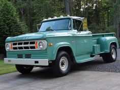 1969 Dodge dually restored by Dan Kostelny and Tumwater Collision in Dad had one of these in this color, only crew cab. Old Dodge Trucks, Dodge Pickup, New Trucks, Cool Trucks, Pickup Trucks, Dodge Dually, Future Trucks, Small Trucks, E Motor