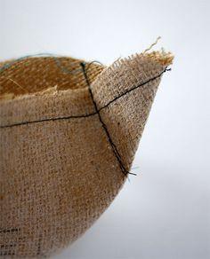 How to make a burlap bottle wine bag
