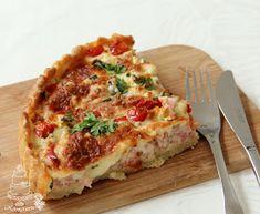 Kermaruusu: Kinkku-kasvispiirakka Lasagna, Quiche, Breakfast, Ethnic Recipes, Food, Morning Coffee, Essen, Quiches, Meals