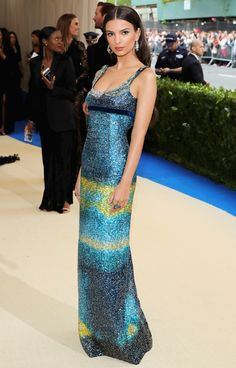 Emily Ratajkowski - Who'd have thought she'd ever be my best dressed? Maybe because she's not as naked as usual.