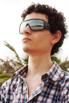 Vista para o mar. #oculos #hb #carvin #eyewear #sunglass #espelhado #mirror #praia #surf #mar #paisagem #horizonte #sol #solar #masculino #moda #estilo