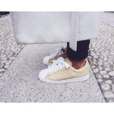 Adidas Superstar 80s x Nigo. Light grey coat, black skinny jeans, trainers.