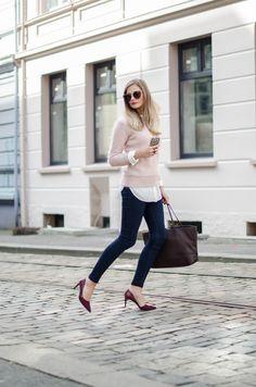 Jeanette Sundøy - By Malene Birger - Outfit - Wool knit - Pink - Burgundy - Jeans