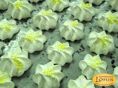 Μπεζέδες βανίλια για διακόσμιση - Ζαχαροπλαστείο Lonis - www.lonis.gr Succulents, Plants, Succulent Plants, Plant, Planets