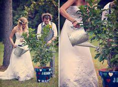 Bruidspaar-plantjes-water-geven