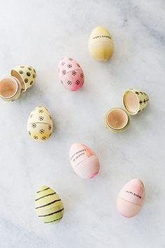 Wood Burning Easter Eggs DIY / Easter DIY / Easter Eggs / Spring DIY / No Dye Easter Eggs
