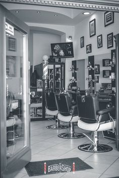 Ayala furniture Elegant Barber chair. Barbershop idea. Salon inspiration.  It's a man's world. #Salonideas #Salondesign #Barbershop
