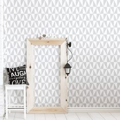 Wallpaper Accent Wall Bathroom, Office Wallpaper, Spring Desktop Wallpaper, Trendy Wallpaper, Wallpaper Minimalista, Blue Bedside Tables, Wallpaper Cabinets, Blue And White Wallpaper, Sweet Home