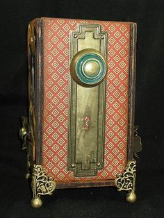 Such an incredible altered cigar box by S S Cheever with A Proper Gentleman, Metal Flower Staples, and our Geometric Metal Door Plate and Knob - Wendy Schultz - Products I Love. Altered Cigar Boxes, Altered Tins, Altered Art, Cigar Box Projects, Cigar Box Crafts, Art Projects, Cigar Box Art, Cigar Box Purse, Graphic 45