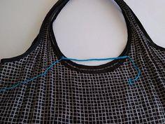 Retiazka dlhá cca 16cm, 50 RO, potom 7 riadkov KS Filet Crochet, Knitting Paterns, Textiles, Market Bag, Handmade, Fashion, Duffel Bag, Sacks, Bags