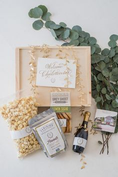 Wedding welcome gift by A Signature Welcome, photo by Lauren Jonas Photography Wedding Welcome Gifts, Gifts For Wedding Party, Wedding Favours, Wedding Pins, Diy Wedding, Wedding Gift Hampers, Party Planning, Wedding Planning, Welcome Baskets