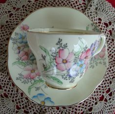 Foley English Bone China England - Vintage Tea Cup and Saucer - Made in England…