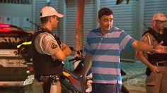 Padre embriagado é flagrado em blitz, após bater em motocicleta da PM +http://brml.co/1JpGo0D