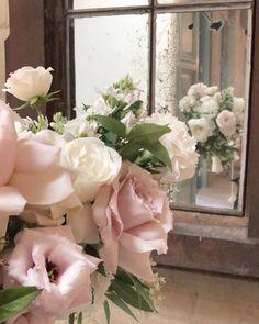 A blush palette never disappoints. Floral Wreath, Palette, Blush, Wedding Inspiration, Wreaths, Plants, Home Decor, Decoration Home, Room Decor