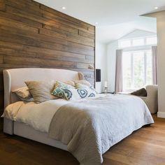 Ejemplos de dormitorios con buen feng shui | LoveToKnow Master Bedroom, New Homes, Furniture, Home Decor, Dorm Ideas, Wood Floor Tiles, Walnut Wood, Home Decorations, Feng Shui Bedroom
