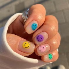 65 Fabulous Easy Nail Art Designs to Up Your Style Game - Ch.- 65 Fabulous Easy Nail Art Designs to Up Your Style Game – ChecoPie - Simple Nail Art Designs, Easy Nail Art, Easy Designs, Nail Art Kids, Funky Nail Art, Colorful Nail Art, Nails For Kids, Hair And Nails, My Nails