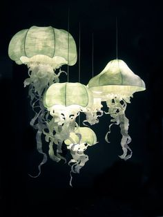 Paper Sculpture Lighting Jellyfish Artist Geraldine Of Diy Jellyfish Lamp Jellyfish Light, Pet Jellyfish, Ocean Room, Home And Deco, Lampshades, Diy Lampshade, My New Room, Lamp Light, Diy Light