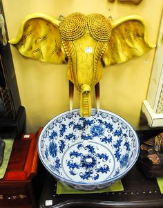 Mr Magoou0027s Is Your Place For Asian Decor, Furniture And The Most Amazing Bathroom  Vanities