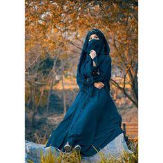 Cute Little Girl Dresses, Cute Little Girls, Girls Dresses, Muslim Girls, Muslim Women, Hajib Fashion, Black Hijab, Purple Wallpaper Iphone, Islamic Girl