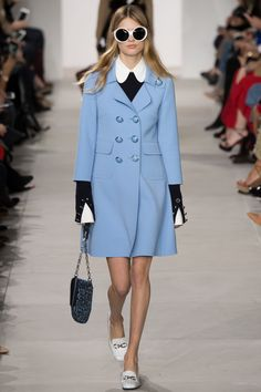 Catwalk photos and all the looks from Michael Kors Autumn/Winter Ready-To-Wear New York Fashion Week Fall Fashion 2016, Fashion Week, Runway Fashion, Trendy Fashion, Winter Fashion, Fashion Show, Womens Fashion, Fashion Design, Fashion Trends