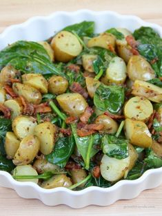 Warm Spinach and Potato Salad with Bacon Vinaigrette, that's right, Bacon Vinaigrette! This is the perfect summer side. Warm Spinach Potato Salad with Bacon Vinaigrette Potato Dishes, Food Dishes, Side Dish Recipes, Dinner Recipes, Dessert Recipes, Bacon Potato, Potato Salad With Bacon, Easy Potato Salad, Bacon Bacon