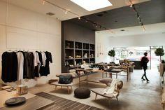 GARDE – LOS ANGELES  Ce « selected store » pointu au décor minimaliste, inauguré en mars 2012 par Scotti Sitz et John Davidson en bordure de Beverly Boulevard, est l'adresse de prédilection des gens du design et du lifestyle. GARDE touche à la maison, au décor comme au corps.