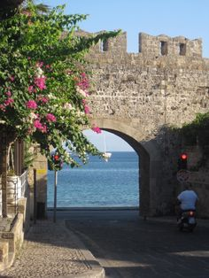 Rhodes Greece Food & Travel Diary - My Kiki Cake - Old Town Wall Rhodes