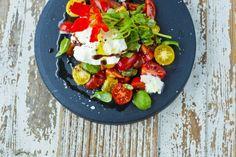 Kaken som knapt inneholder kalorier - Vektklubb Caprese Salad, Cobb Salad, Frisk, Mozzarella, Food And Drink, Insalata Caprese