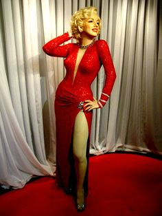 Marilyn Monroe at Tussauds wax Museum Madame Tussauds, Marilyn Monroe Photos, Marylin Monroe, Tussauds London, Beautiful Barbie Dolls, Norma Jeane, Hollywood Celebrities, Timeless Beauty, Lingerie Models